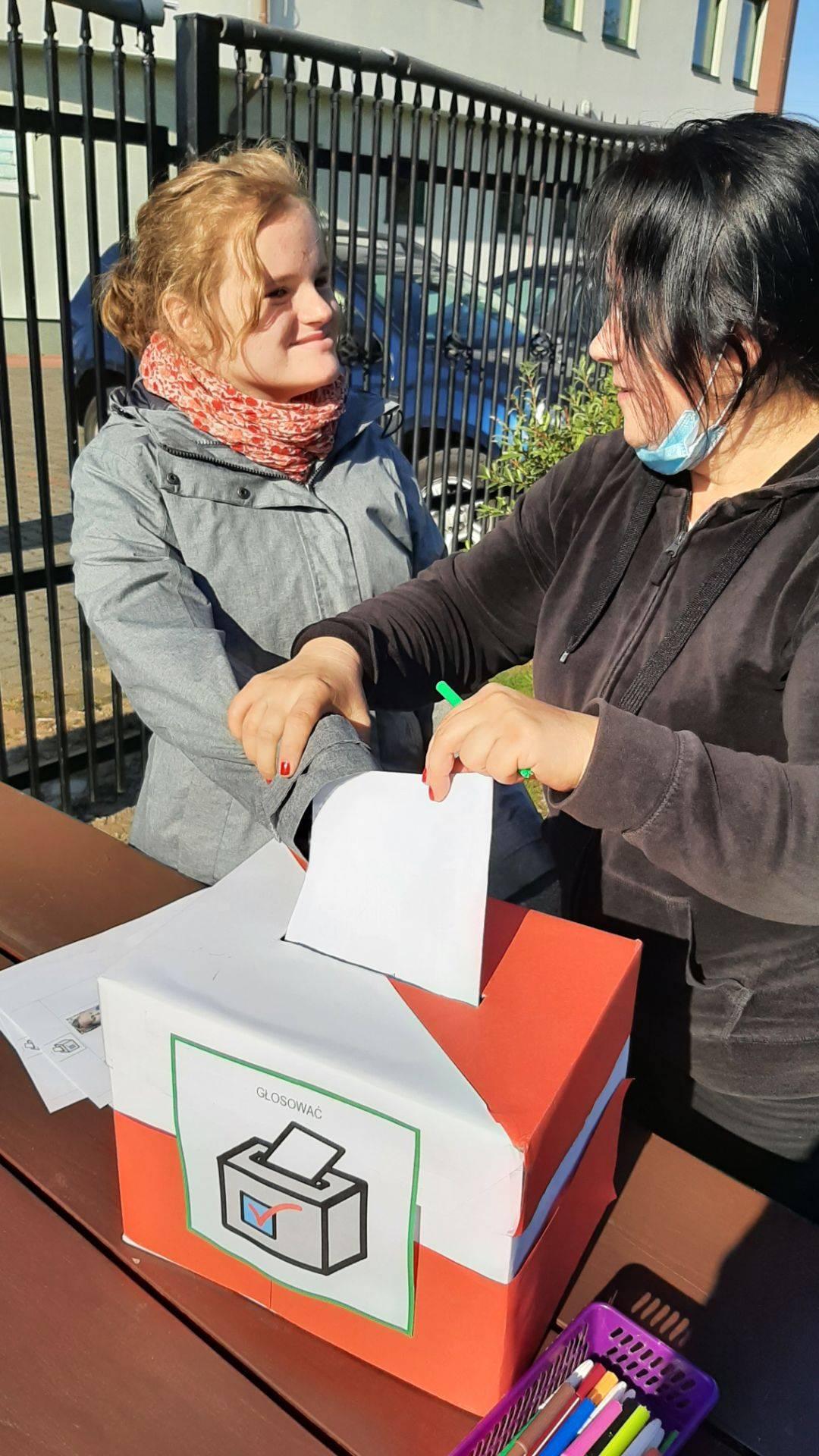 Wybory doSamorządu Uczniowskiego 2021